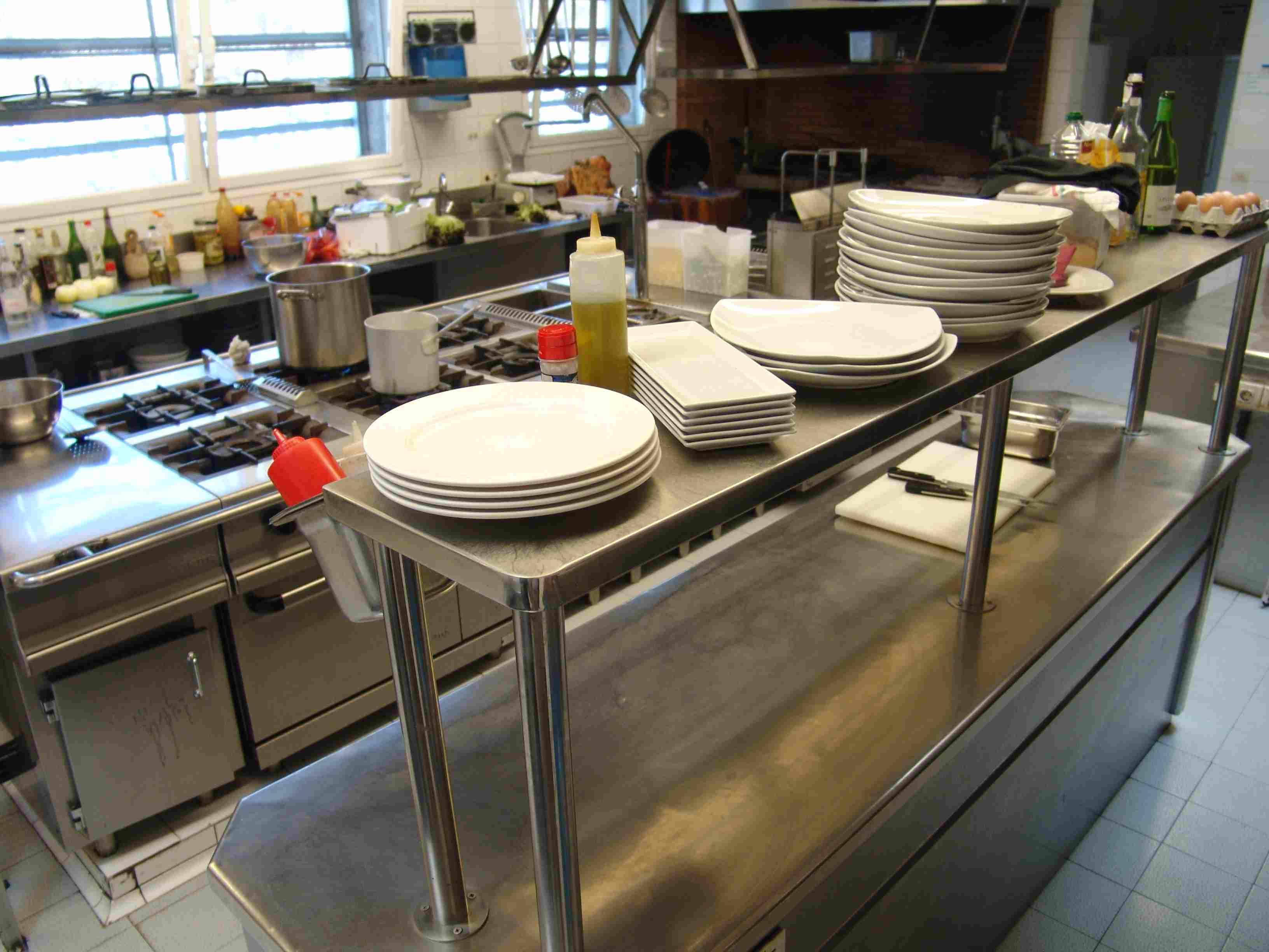 Restaurante asador urtegialde en urr naga cocina for Utensilios y materiales de una cocina de restaurante